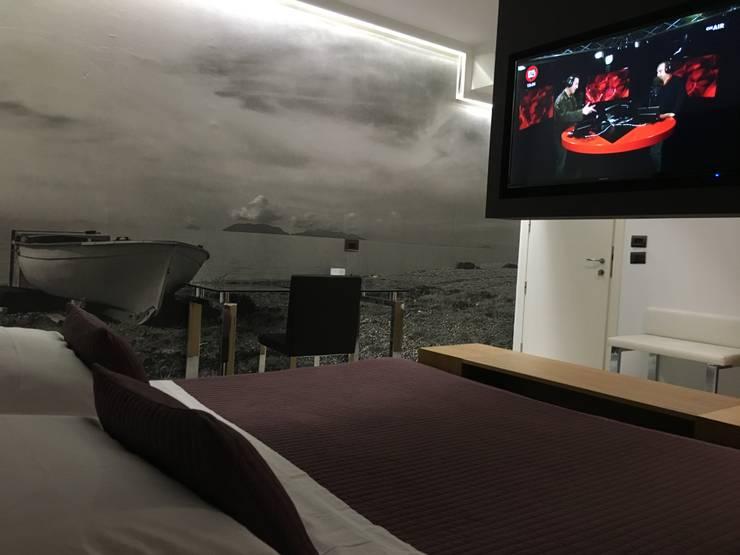 ROOM HOTEL di DORIArchitetti Moderno