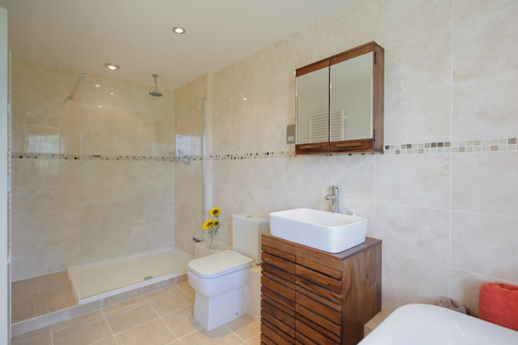 modern Bathroom by Jonathan Hagen Photography