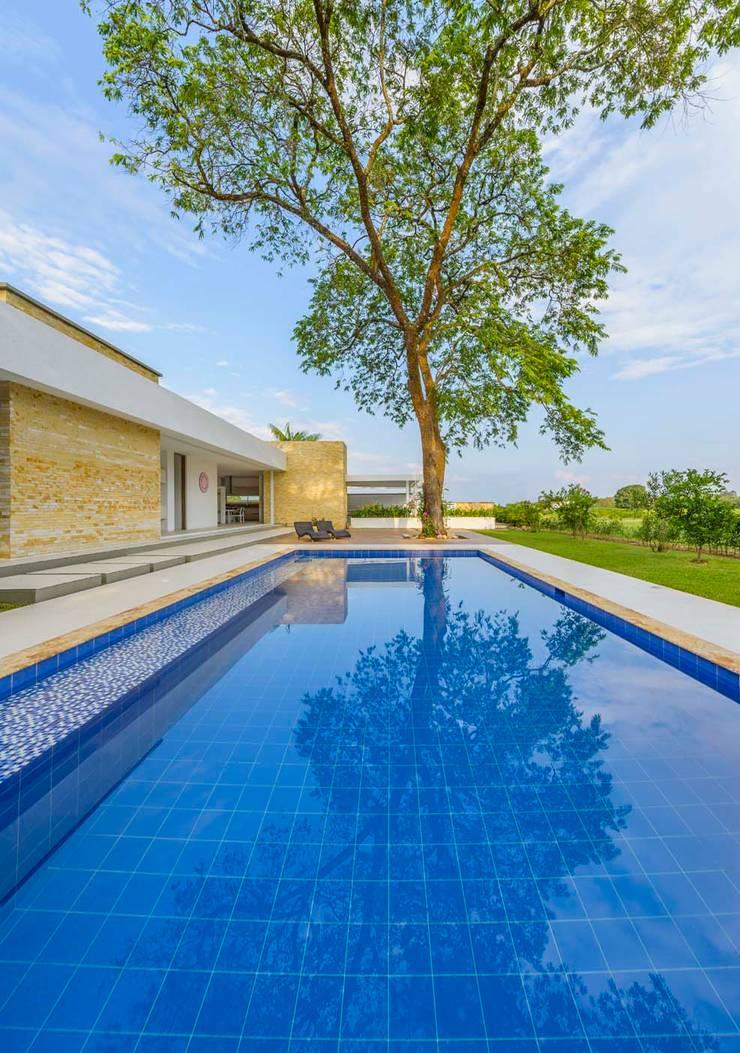 Piscinas de estilo  por David Macias Arquitectura & Urbanismo