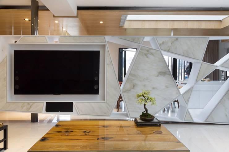 【三角形系列 編號-002】:   by 衍相室內裝修設計有限公司
