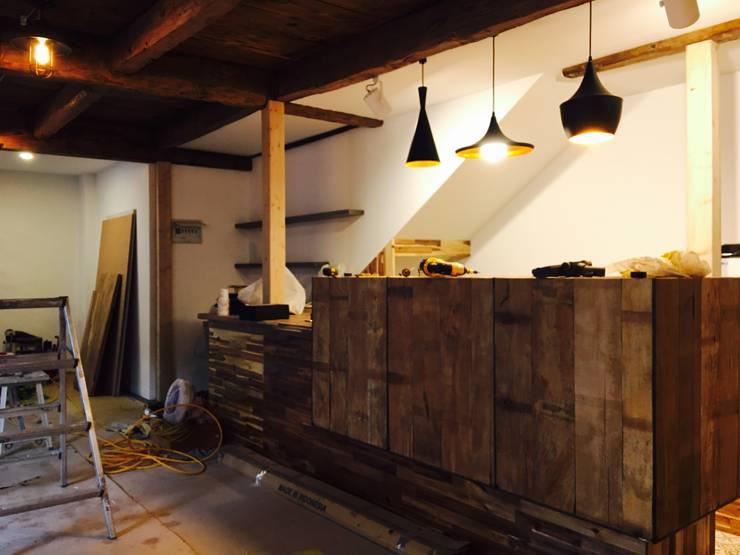 재생주택: DDS 건축디자인의  다이닝 룸