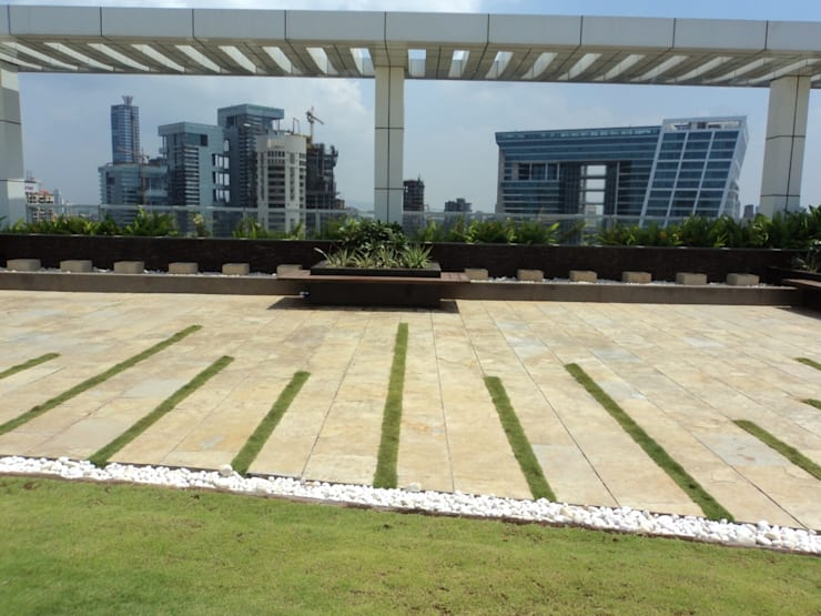 flooring pattern:  Commercial Spaces by Land Design landscape architects,
