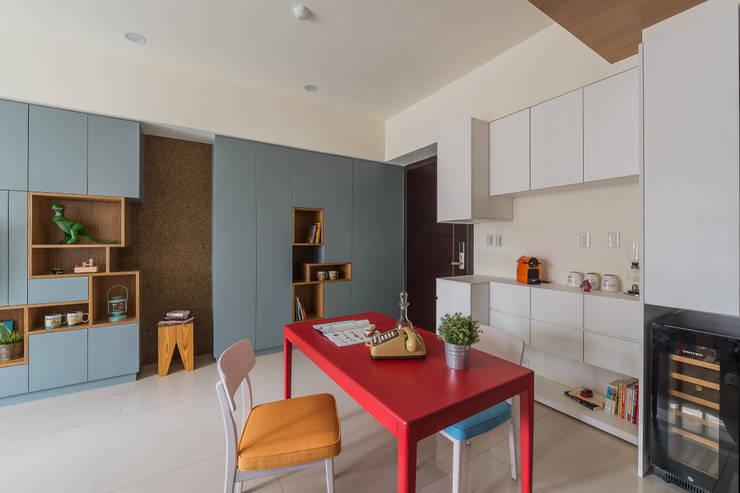 MAP HOUSE:  餐廳 by 齊禾設計有限公司