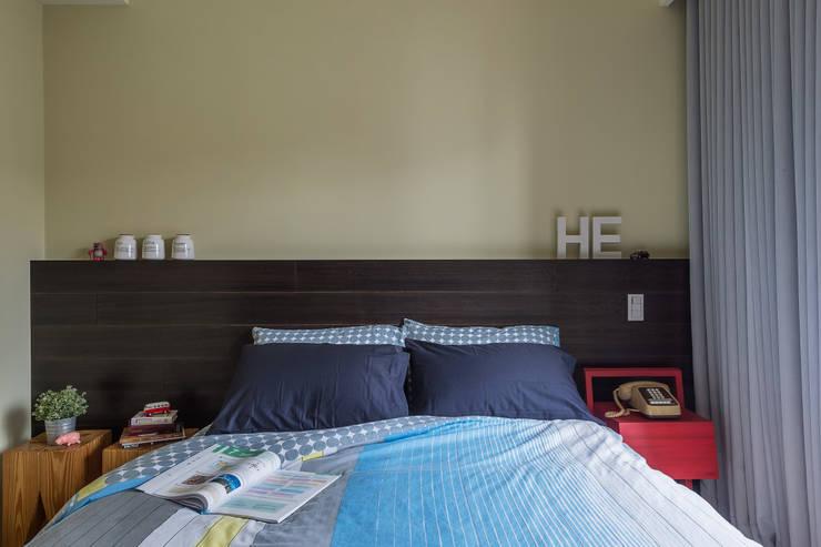 MAP HOUSE:  臥室 by 齊禾設計有限公司