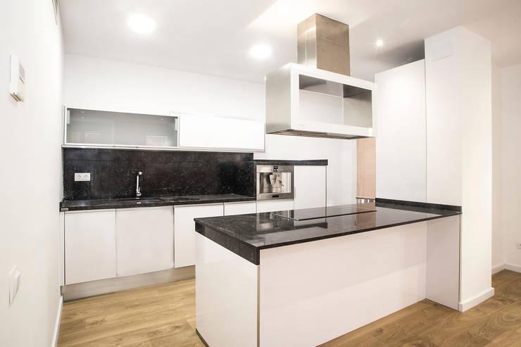 Un Appartamento Moderno, Luminoso e Funzionale