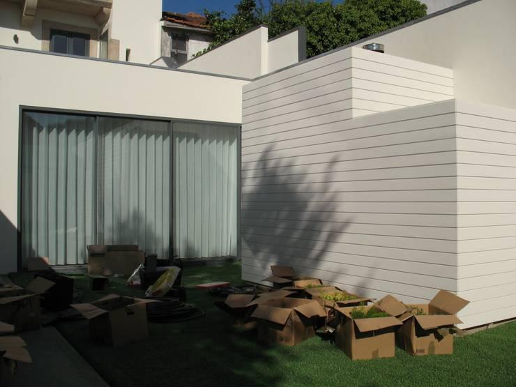 Jardines de estilo  por Pedro Parente Vasconcelos - Arquitetura Paisagista