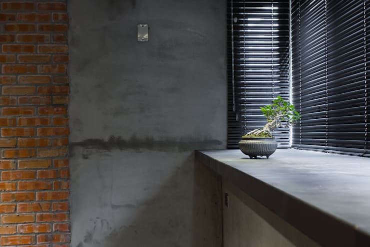 【LOFT時尚工業風居家設計】:   by 衍相室內裝修設計有限公司