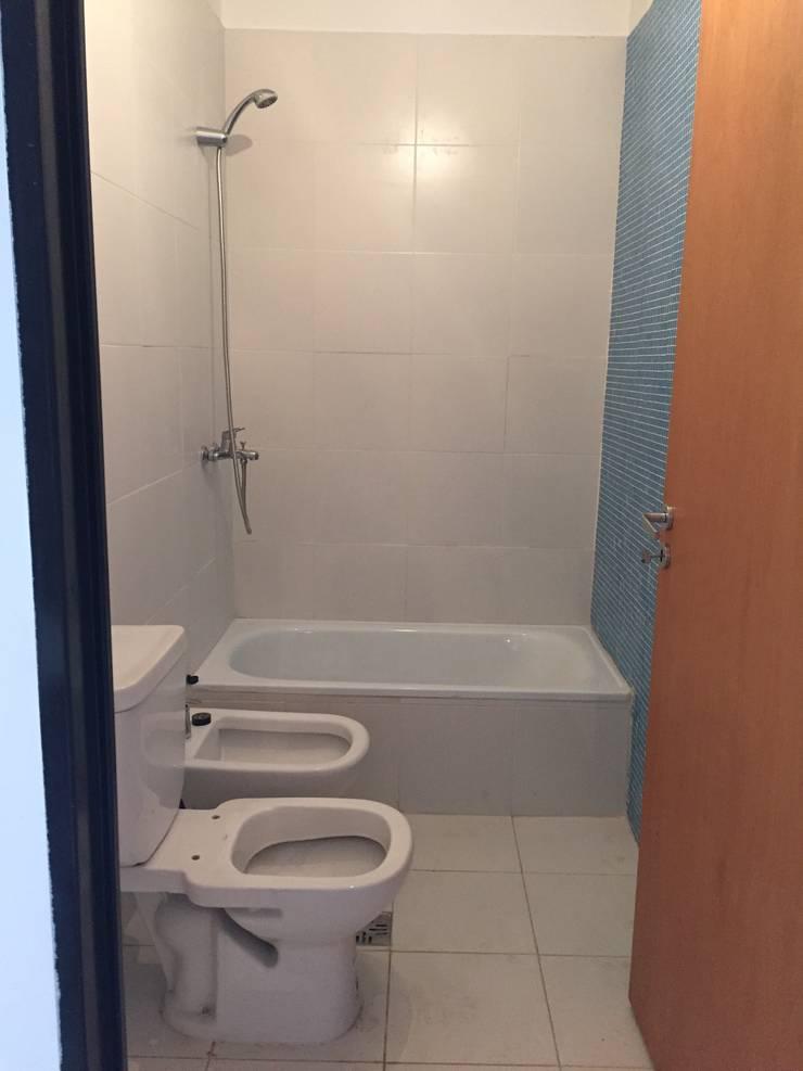 Baño Suite: Baños de estilo  por estudionvarquitectura