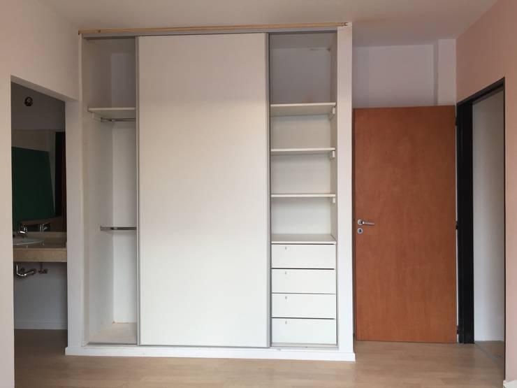 Closets de estilo  por estudionvarquitectura