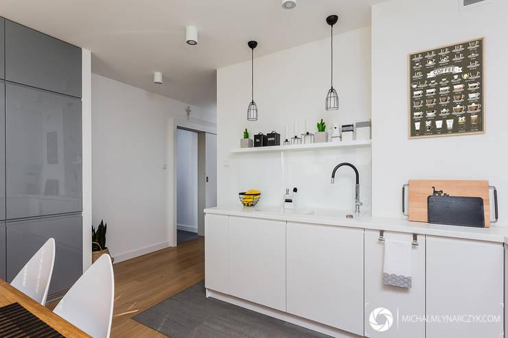 Mieszkanie / Żoliborz: styl , w kategorii Kuchnia zaprojektowany przez Michał Młynarczyk Fotograf Wnętrz