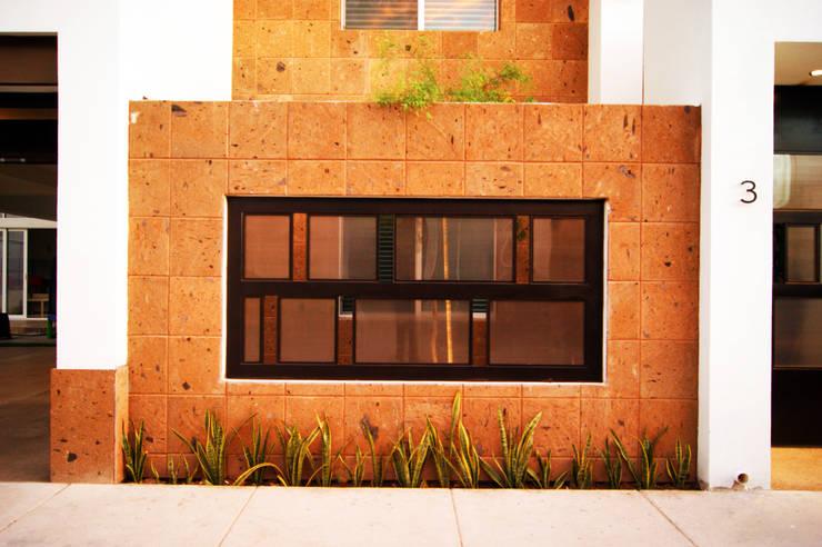 Ampliación Residencia BG: Casas de estilo moderno por Arstudio