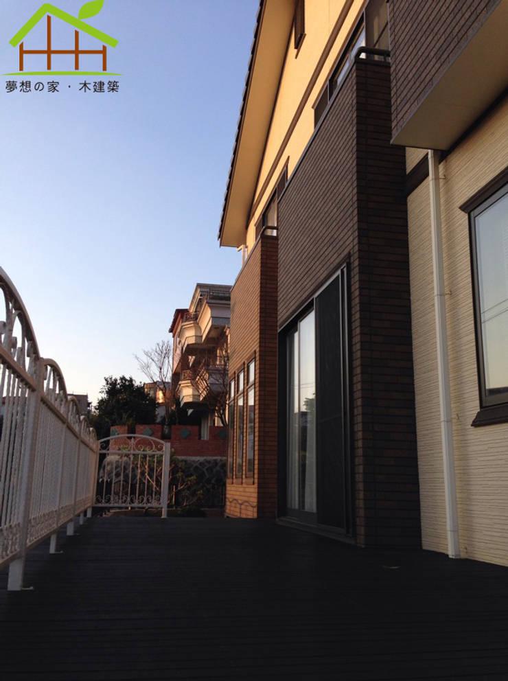 Terrace by 詮鴻國際住宅股份有限公司,
