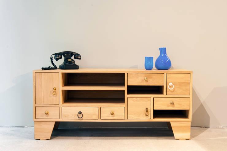 Salon de style  par Este Mimarlık Tasarım Uygulama San. ve Tic. Ltd. Şti.
