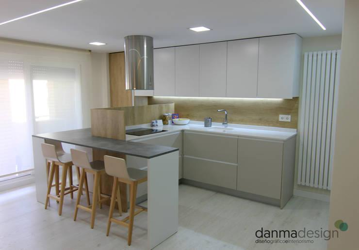 Cocinas de estilo  por Danma Design