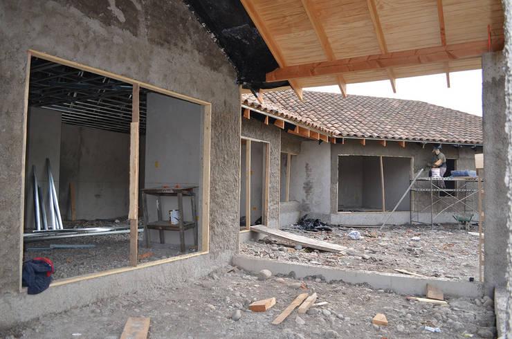 Casas de estilo  por HERNÁN MARTÍNEZ ARQUITECTOS