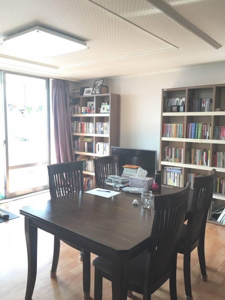 [홈라떼] 일산 32평 거주중인 집 홈스타일링 : homelatte의  거실