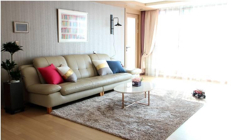 Ruang Keluarga by 모린홈