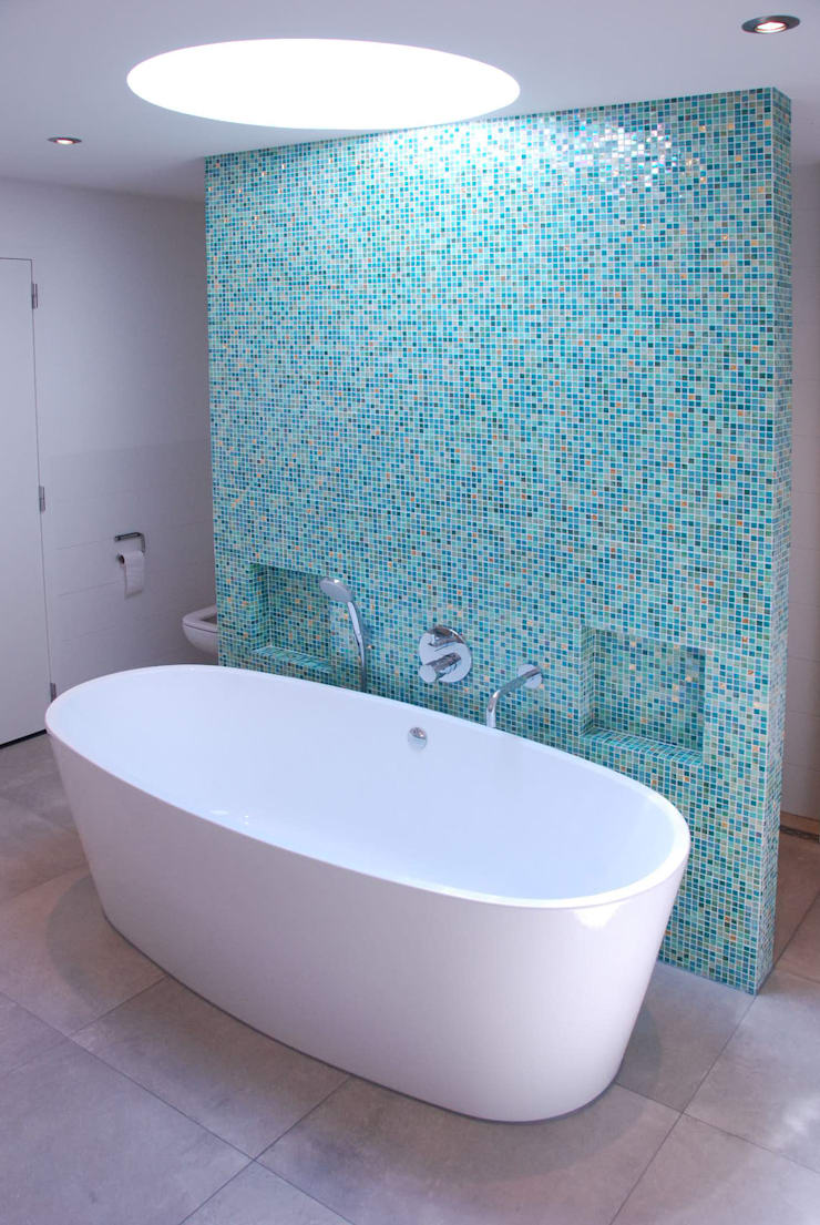 Verbouwing Woonhuis te Veghel:  Badkamer door Wessel van Geffen Architecten , Modern