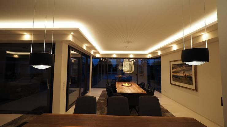 غرفة السفرة تنفيذ Bolz Licht & Wohnen