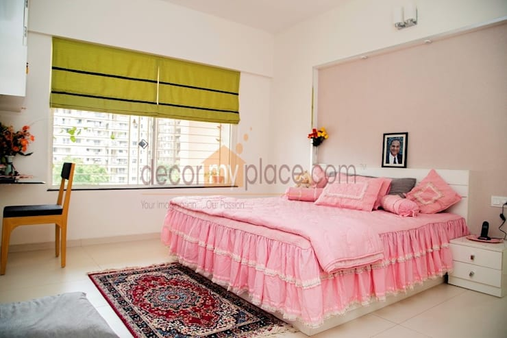 PINK BED ROOM :  Bathroom by decormyplace