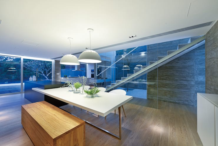 Dining room by Millimeter Interior Design Limited