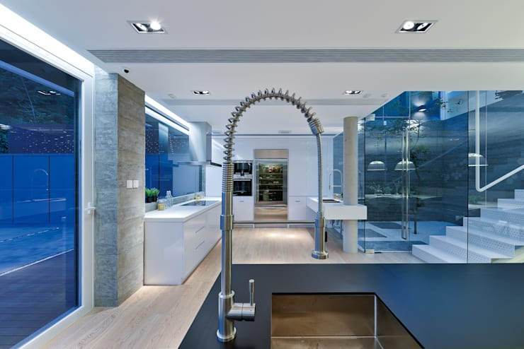 House in Shatin :  Kitchen by Millimeter Interior Design Limited
