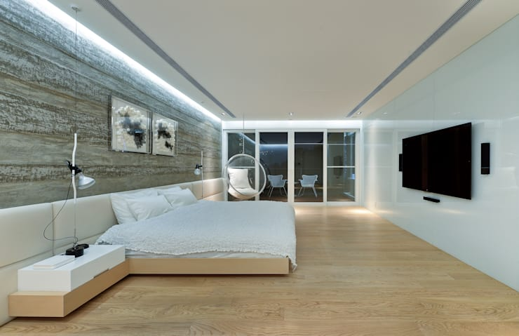 House in Shatin :  Bedroom by Millimeter Interior Design Limited