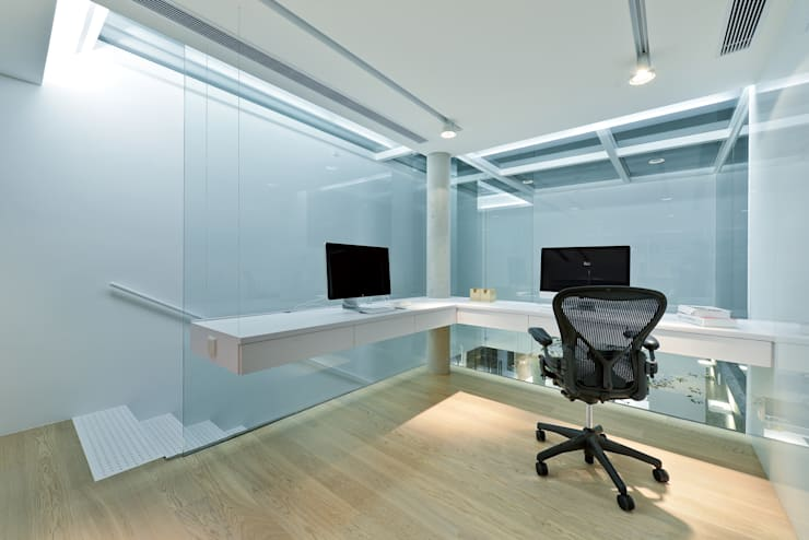 Study/office by Millimeter Interior Design Limited
