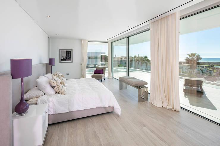 Habitaciones de estilo moderno por Hi-cam Portugal