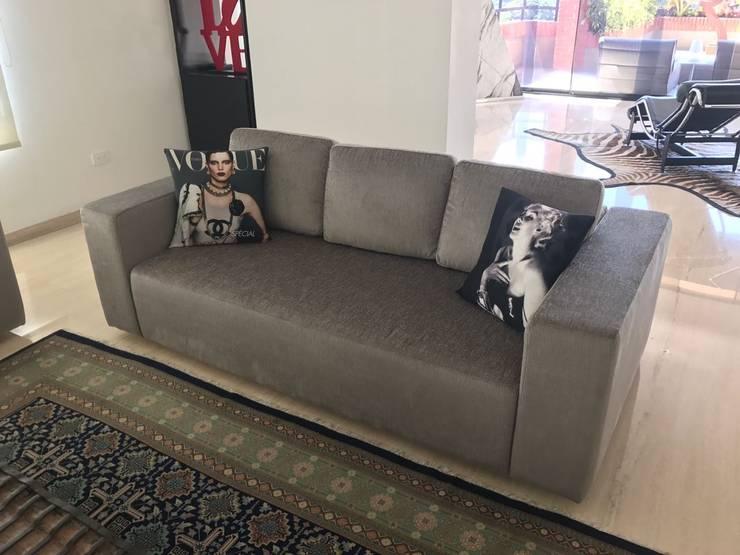 Apartamento Valle Arriba : Salas/Recibidores de estilo moderno por THE muebles