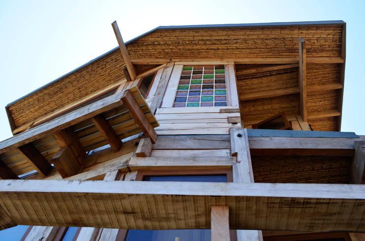 CASA INFIERNILLO: Casas de estilo rústico por BLAC arquitectos