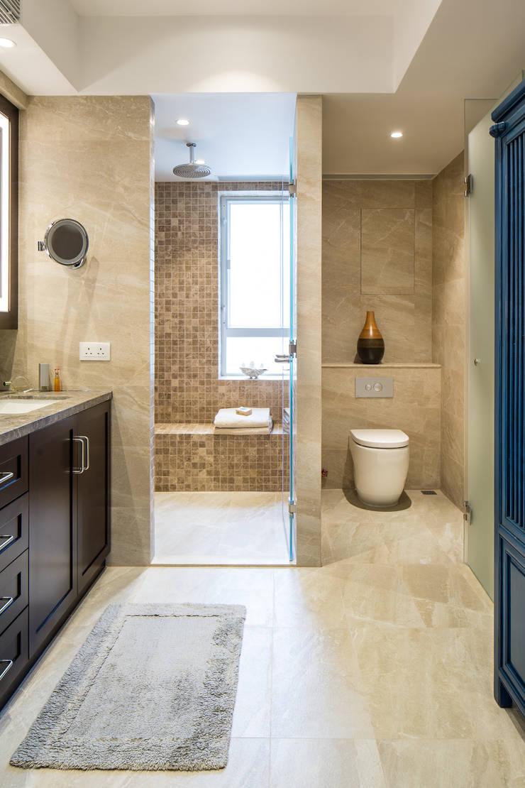 Bathroom renovation 現代浴室設計點子、靈感&圖片 根據 Nicole Cromwell Interior Design 現代風 磁磚