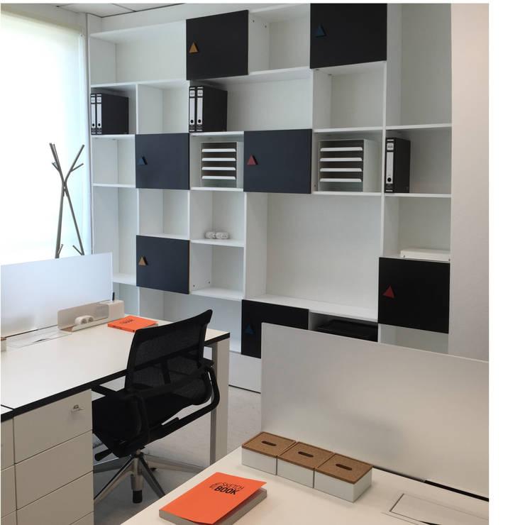 Sala de trabalho: Escritórios  por menta, creative architecture