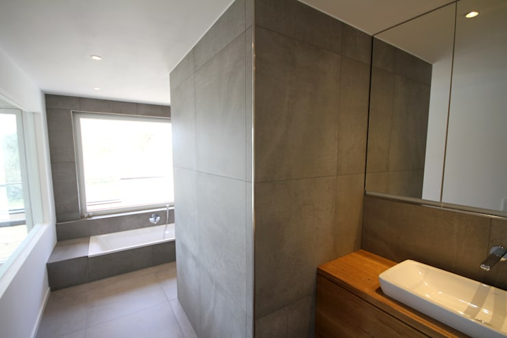 modern Bathroom by GERBER Ingenieure GmbH