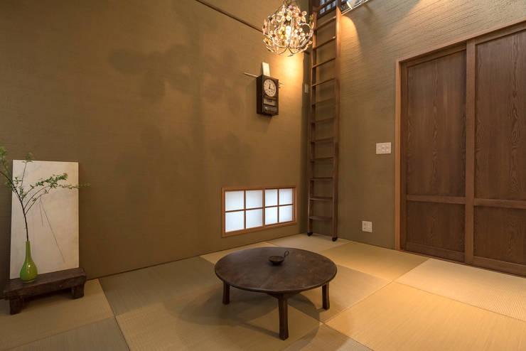 小山町 N邸: HAPTIC HOUSEが手掛けた和室です。