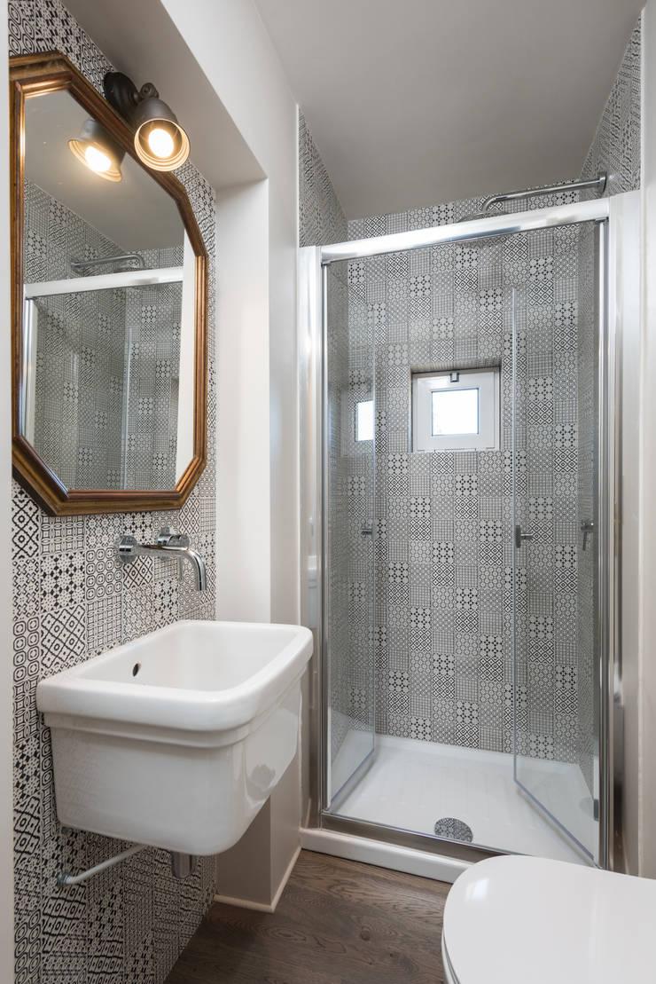 ห้องน้ำ โดย Caterina Raddi, อินดัสเตรียล