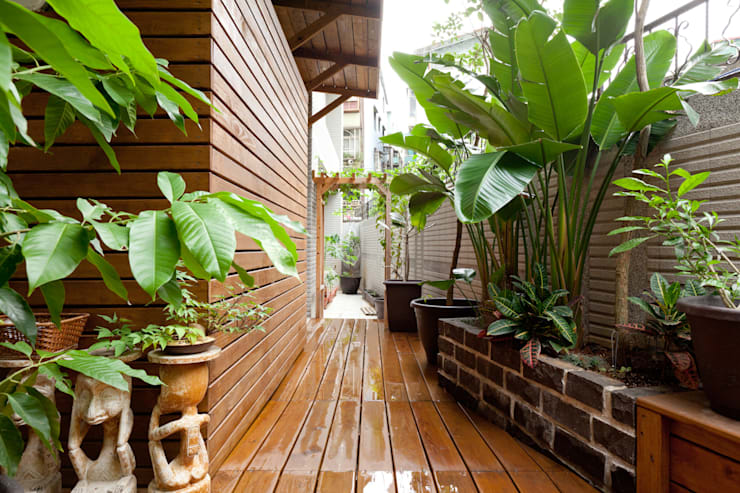 Jardines de estilo topical por 芸采創意空間設計-YCID Interior Design