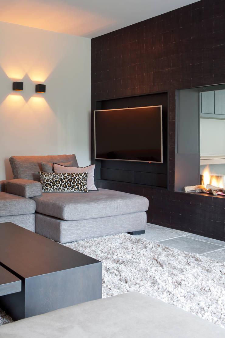 Living room by Ilse Damhuis Stijlvol Wonen, Modern