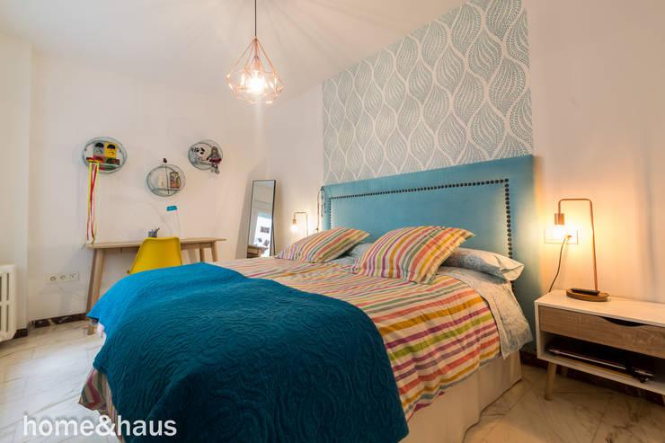 Projekty,  Sypialnia zaprojektowane przez Home & Haus | Home Staging & Fotografía