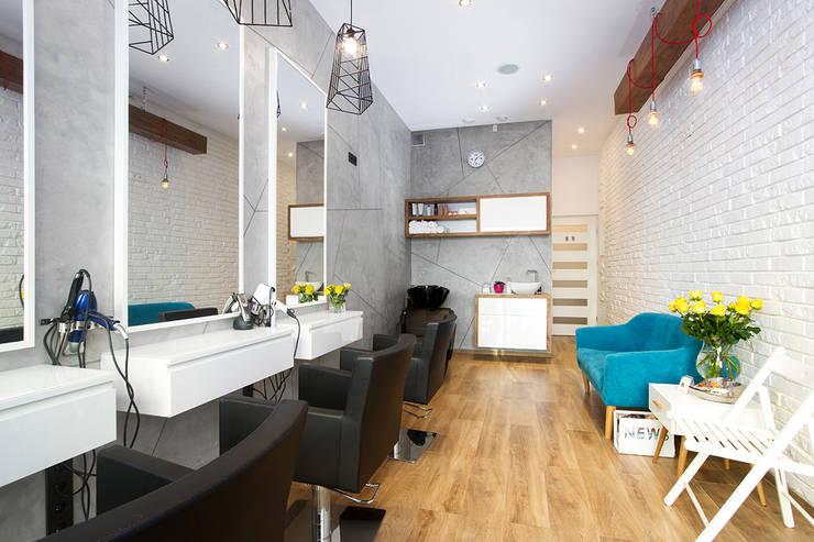 Oficinas y Tiendas de estilo  por Kata Design, Moderno