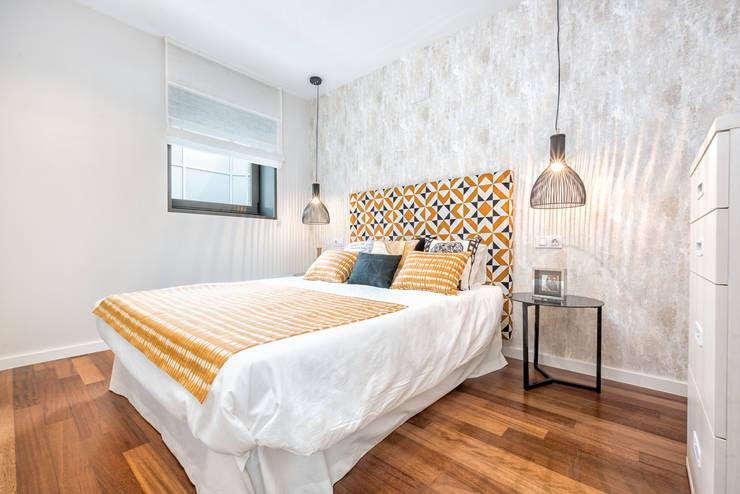 scandinavian Bedroom by Espacios y Luz Fotografía