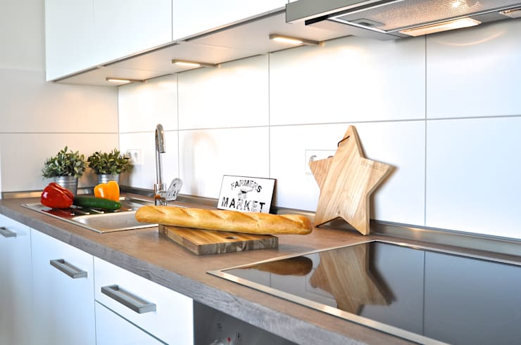 Maritim und männlich:  Küche von Karin Armbrust - Home Staging,