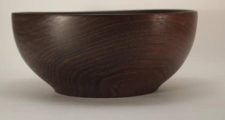 Ensaladera madera maciza: Cocina de estilo  por TORNEARTE TALLER