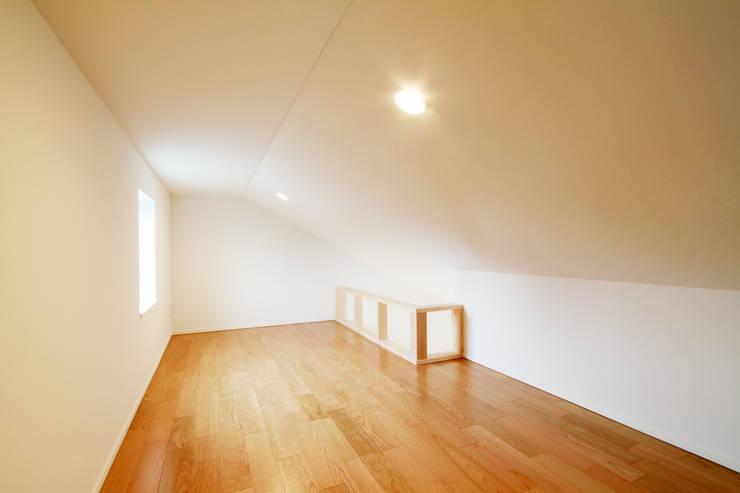 練馬の杜~抜~: 株式会社ハウジングアーキテクト建築設計事務所が手掛けた多目的室です。