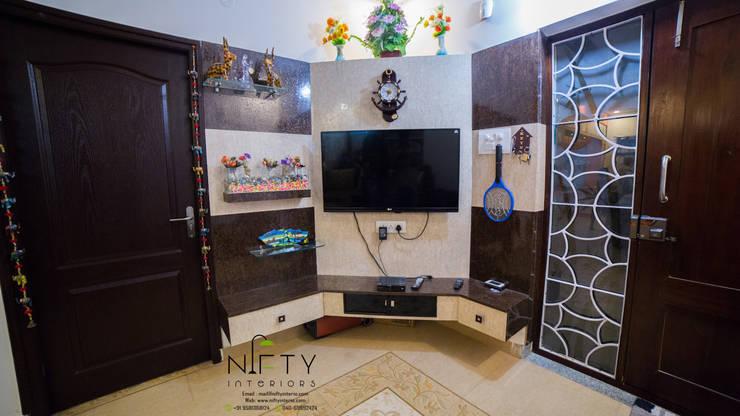 غرفة الميديا تنفيذ Nifty Interio
