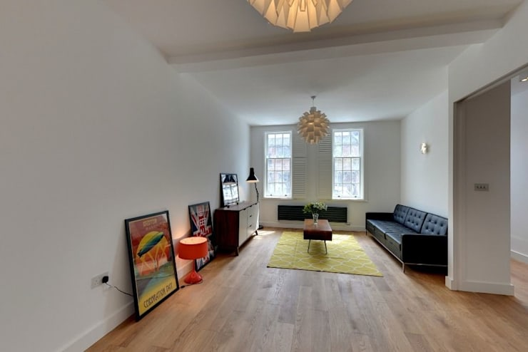 House renovation and extension in Fulham, SW6:  Living room by APT Renovation Ltd