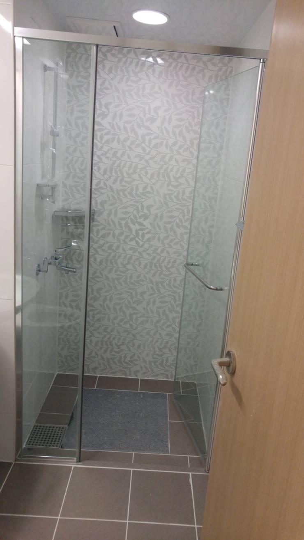 Bathroom by homelatte,