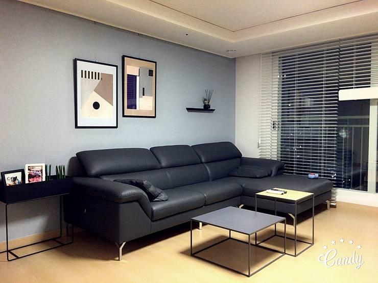 Ruang Keluarga oleh homelatte, Modern