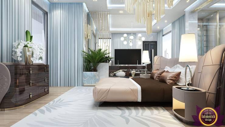 Interiors ideas for large bedroom of Katrina Antonovich:  Bedroom by Luxury Antonovich Design