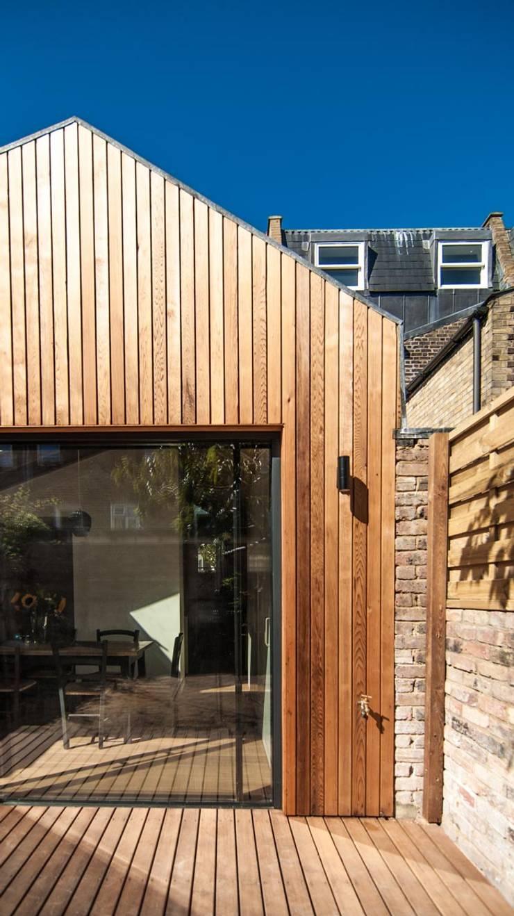 Casas de estilo  de Bradley Van Der Straeten Architects, Moderno Madera Acabado en madera